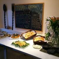 Foto tomada en NOA Catering por Eleanor(wokstar) H. el 4/17/2015