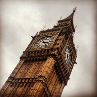 Foto scattata a Elizabeth Tower (Big Ben) da James G. il 5/14/2013
