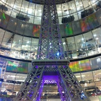 Photo taken at Galeries Lafayette by Eduardo M. on 12/17/2012