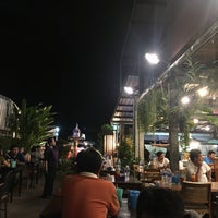 Photo taken at หอยทอดเจ๊ฮวย by Chanack P. on 11/30/2017