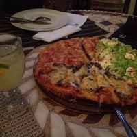 Foto diambil di Famosa Pizza oleh Dóris G. pada 7/26/2013