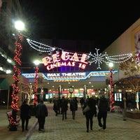 Снимок сделан в Regal Cinemas New Roc 18 IMAX & RPX пользователем Miguel G. 11/18/2012
