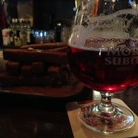 Foto diambil di Bobby Dazzler Pub oleh Natalia K. pada 5/5/2013