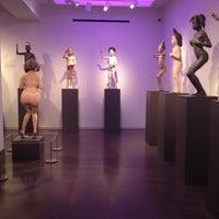 Photo taken at 21c Museum Hotels - Cincinnati by Jerod F. on 12/20/2012