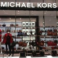 Foto scattata a Michael Kors da R. P. il 10/5/2013