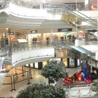 รูปภาพถ่ายที่ Al Rashid Mall โดย Benny A. เมื่อ 12/18/2012