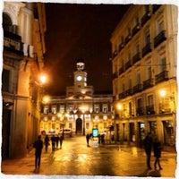 Foto tomada en Puerta del Sol por Andrés el 4/28/2013