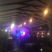 รูปภาพถ่ายที่ Esencia Bar y restorán โดย Esencia Bar y Restorán P. เมื่อ 7/21/2016