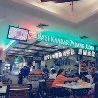 Photo taken at Nasi Kandar Padang Kota by shahrulhafiz ✌. on 5/7/2013