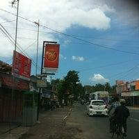 Photo taken at pasar selang by Huda K. on 8/11/2013