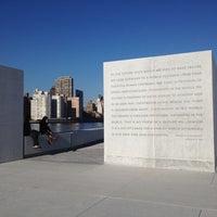 Foto scattata a Four Freedoms Park da Dmitry S. il 11/22/2012