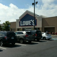 Photo taken at Lowe's Home Improvement by Mark S. on 8/21/2016