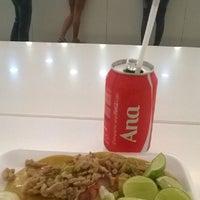 Photo taken at Taco Inn by Oscar Alfredo on 8/7/2014