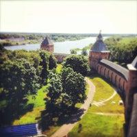 Das Foto wurde bei Novgorod Kremlin von Alena M. am 7/13/2013 aufgenommen