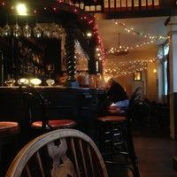 Foto diambil di Andover Arms oleh 'Av a Pint pada 12/6/2012