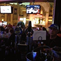 Photo prise au Blondies Sports Bar & Grill par Scott S. le10/21/2012