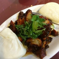 Photo taken at Kuan Yin Vegetarian Restaurant by Sher S. on 5/27/2014