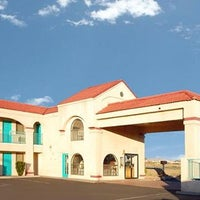 Photo taken at Econo Lodge by Claudette T. on 9/4/2014
