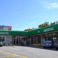 Photo taken at Green's Beverages by Intown Expert, Jennifer Kjellgren & Associates on 2/15/2013