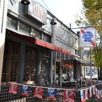 Foto tomada en Moe's and Joe's Tavern por Intown Expert, Jennifer Kjellgren & Associates el 2/20/2013