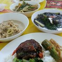 Photo taken at อาหารเจเหอซั่น by Jar J. on 3/19/2013