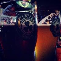 Снимок сделан в Clever Irish Pub пользователем Daria V. 2/7/2013