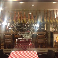 Photo taken at Trattoria Gourmet Mister Panino by Meire L. on 9/5/2014