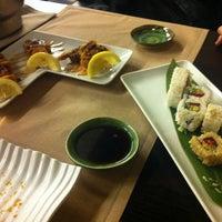 Foto tomada en Sake Dining Himawari por Laura R. el 2/15/2013