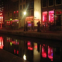3/24/2013 tarihinde Ece A.ziyaretçi tarafından Red Light District / De Wallen'de çekilen fotoğraf