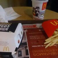 Foto tomada en McDonald's por Bruno M. el 3/1/2016