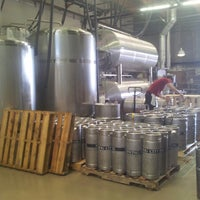 Foto tomada en Smog City Brewing Company por Bev R. el 5/24/2013