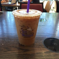 Photo taken at The Coffee Bean & Tea Leaf by R C. on 9/29/2015