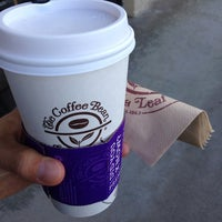 Photo taken at The Coffee Bean & Tea Leaf by R C. on 10/22/2014