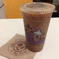 Photo taken at The Coffee Bean & Tea Leaf by R C. on 11/9/2014