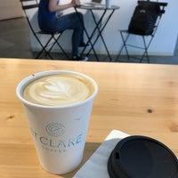 Photo prise au St. Clare Coffee At SPUR par R C. le6/12/2018