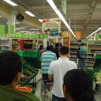 Photo taken at Extra Supermercado by Luiz Cláudio L. on 5/27/2013