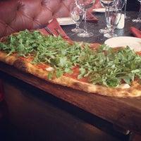 Photo prise au Goodfellas Wood Oven Pizza par Akshay K. le4/12/2014