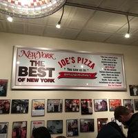 Foto tomada en Joe's Pizza por Merve Kırk el 12/25/2017