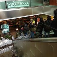 Foto tomada en Whole Foods Market por Kevin W. el 4/4/2013