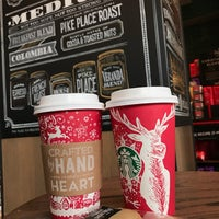 Photo taken at Starbucks by Dmitriy P. on 12/17/2016