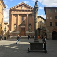 Photo taken at Piazza Tolomei by Shadi J. on 10/5/2017