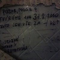 Photo taken at Hospoda U sedmi švábů by Kašpárek 🃏 on 10/5/2012