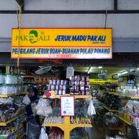 Photo taken at Jeruk Madu Pak Ali Sg Nibong by Jasmin S. on 4/16/2013