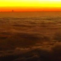 Photo taken at Voo United Airlines UA 129 by Manu R. on 10/25/2014
