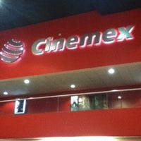 Foto tomada en Cinemex por Enrique R. el 10/8/2012