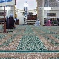 Photo taken at Masjid Al-Muttaqin Wangsa Melawati by Aidil Y. on 10/28/2012