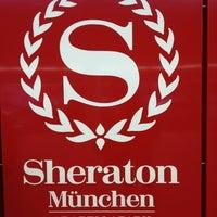 Das Foto wurde bei Sheraton Munich Arabellapark Hotel von Re F. am 10/22/2012 aufgenommen