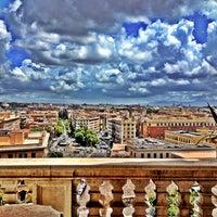 Foto scattata a Musei Vaticani da Şebnem P. il 5/30/2013