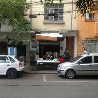 Foto tirada no(a) Tacos Hola! por Francisco m. em 5/15/2013