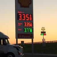 Photo taken at Shell by Jesse Lopez E. on 5/5/2014